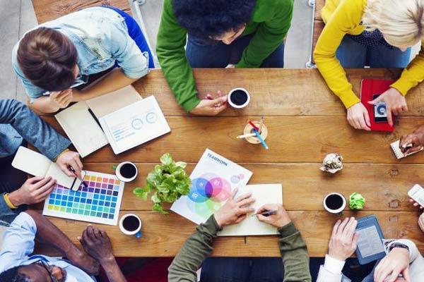 خدمات طراحی گرافیک و مالتی مدیا